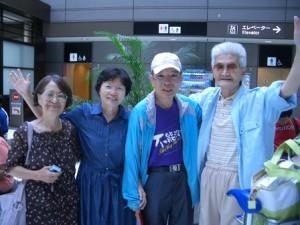 8月1日王牧師ご夫妻と我ら飛行場で
